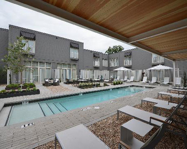 pool-courtyard.jpg