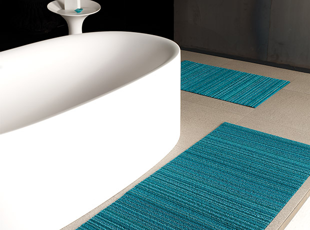 chilewich---shag-indoor-outdoor-mats---turquoise-skinny-stripe.jpg