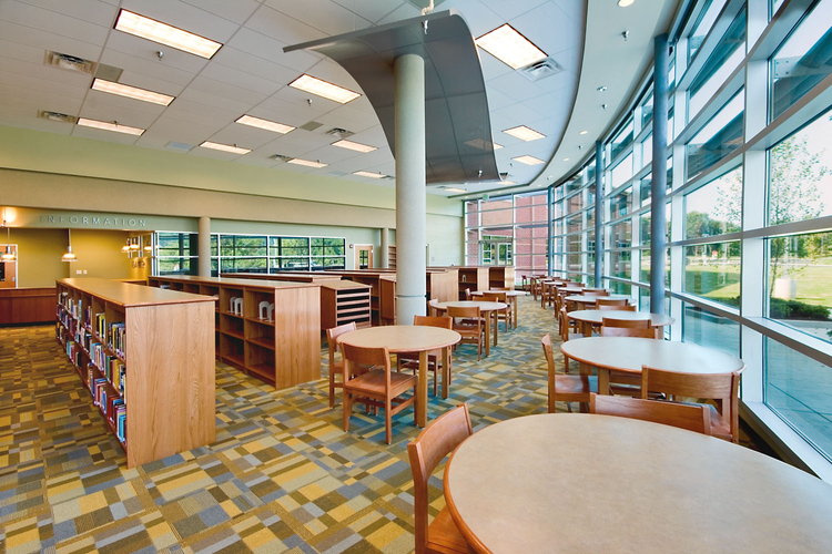 Modern Middle School Library Architect