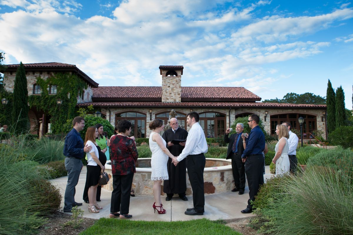 Scenic Texas Wedding Venue