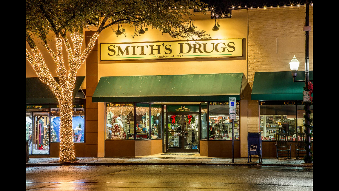Smith's Drugs Store Front 2017.png