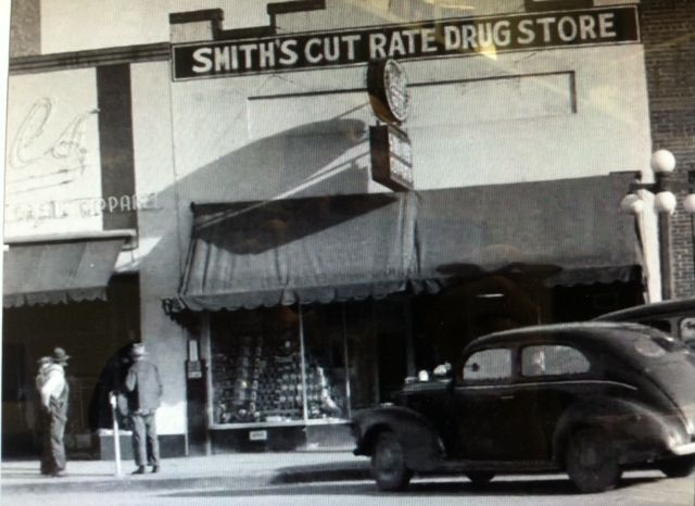 Smith's Cut Rate 1948.JPG