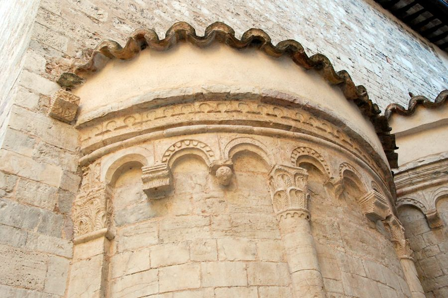 Umbria, church details.jpg