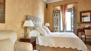 Corral del Rey room.jpg