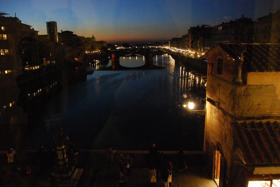 Florence, Vasari Corridor to Ponte Vecchio.jpg