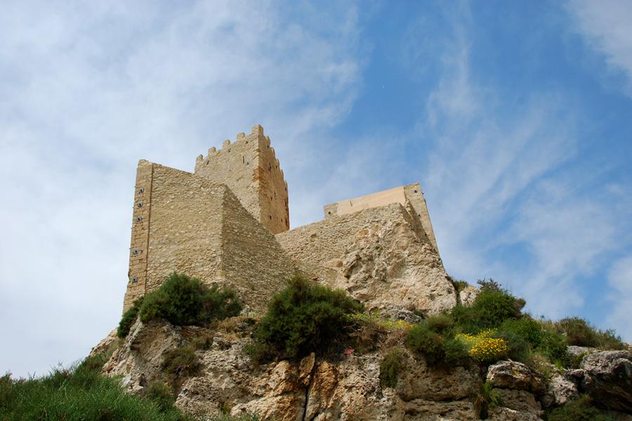 Sicily, castle.jpg