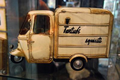 Umbria, tartufo truck.jpg