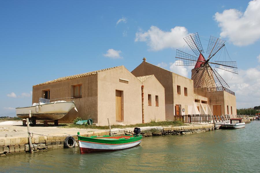 Sicily, Mozia windmill.jpg