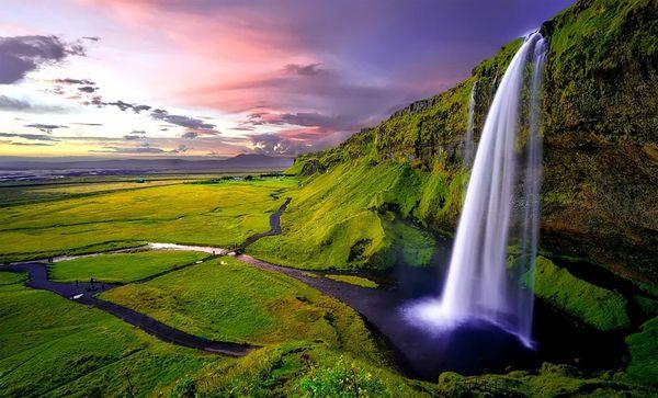 Iceland, Seljalandsfoss Waterfall