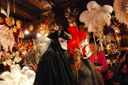Casanova at the mask maker