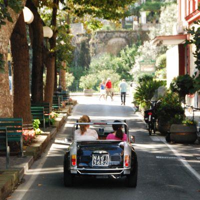 On the road in Sorrento.jpg