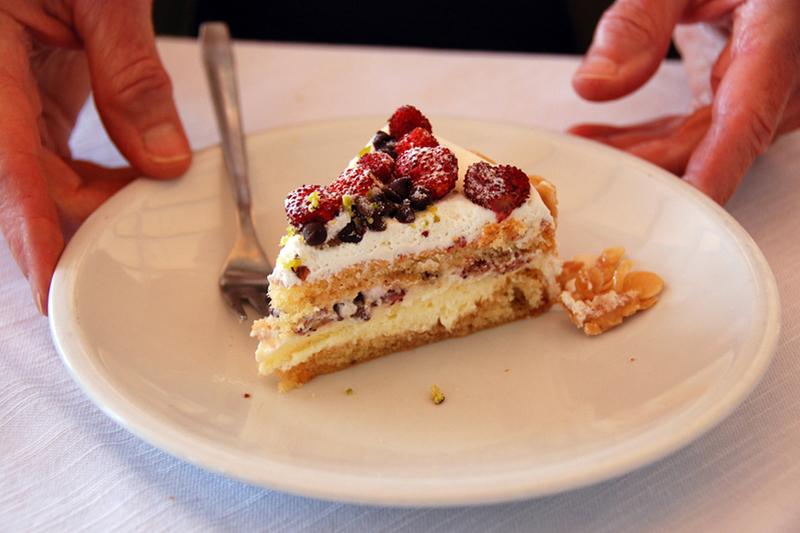 Sicily, Ortigia cake.jpg