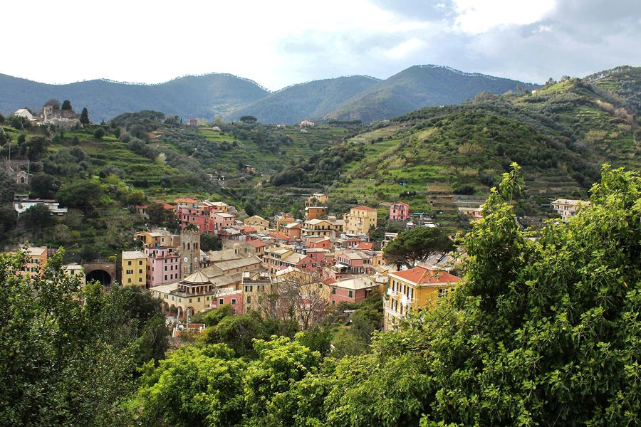 Lillian Cooper, Sweet Town on Cinque Terre Hike.jpg