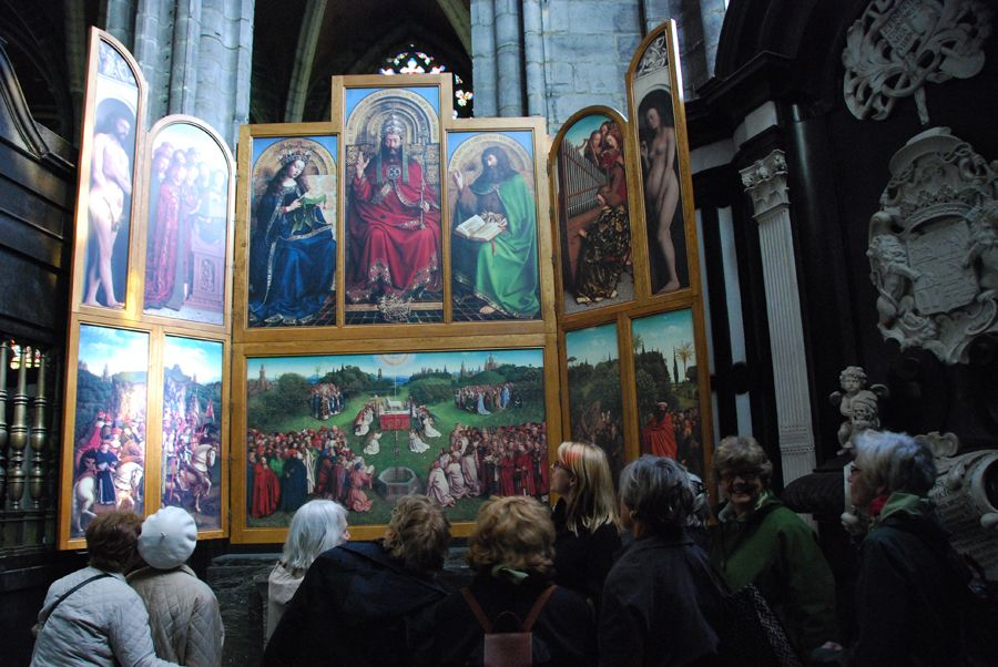 Sally Whitman Coleman lectures in front of the Ghent Altarpiece by Jan van Eyck.jpg