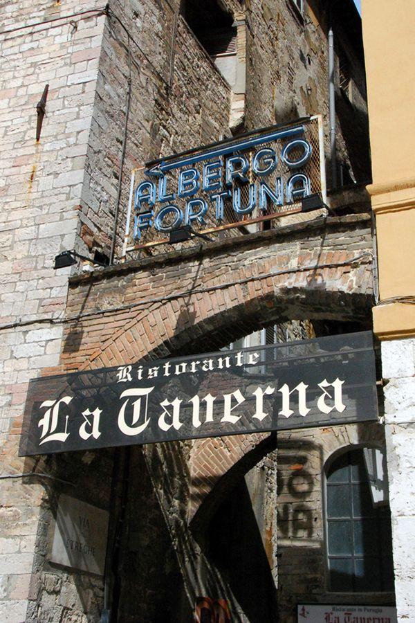 Umbria, La Taverna.jpg