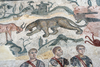 Sicily, Piazza Armerina leopard with three men.jpg