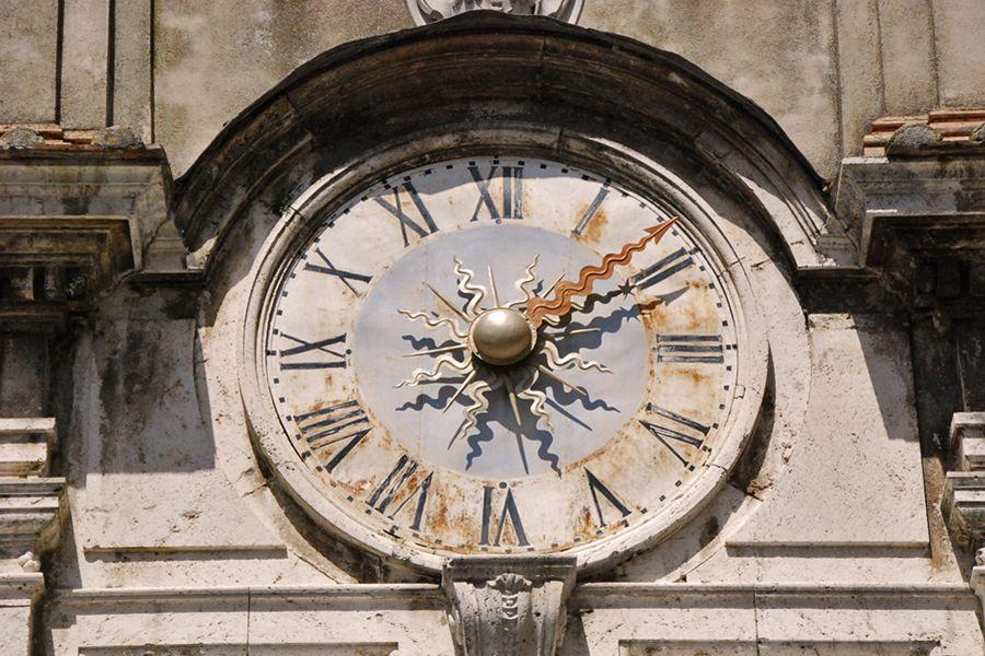 Umbria, clock.jpg