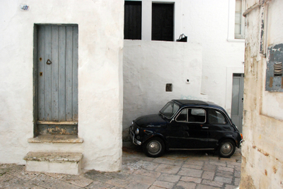 Puglia, black Fiat