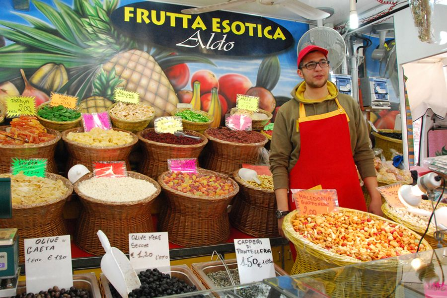 Umbria, weekend market.jpg