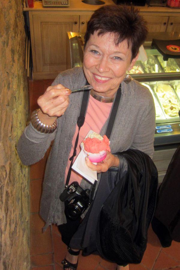 Dopson, Yummy gelato in Siena.jpg