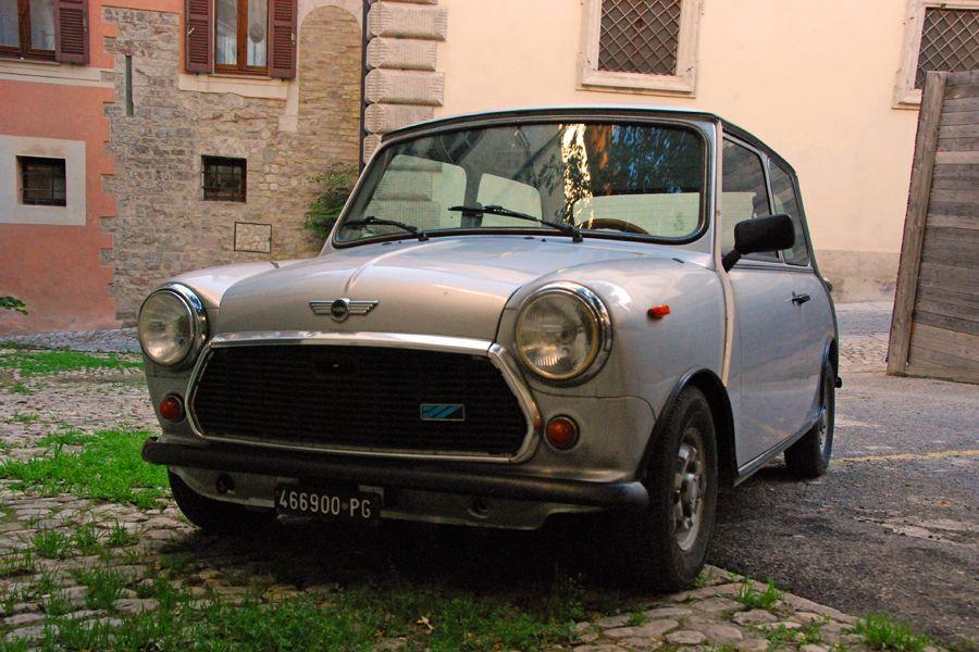 Umbria, silver Mini Cooper