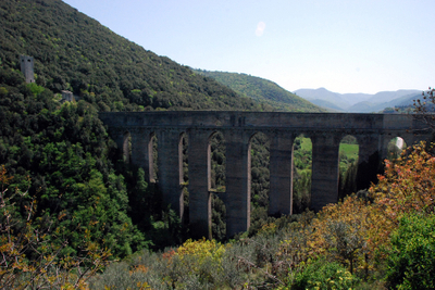Umbria, Spoleto bridge overview.jpg