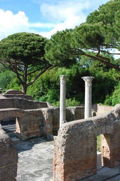 Roma, Ostia Antica mosaics.jpg