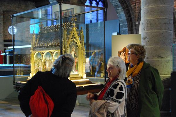 With Shrine of Saint Ursula in Bruges.jpg