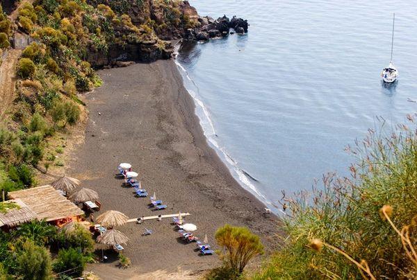 Therasia Asino beach.jpg