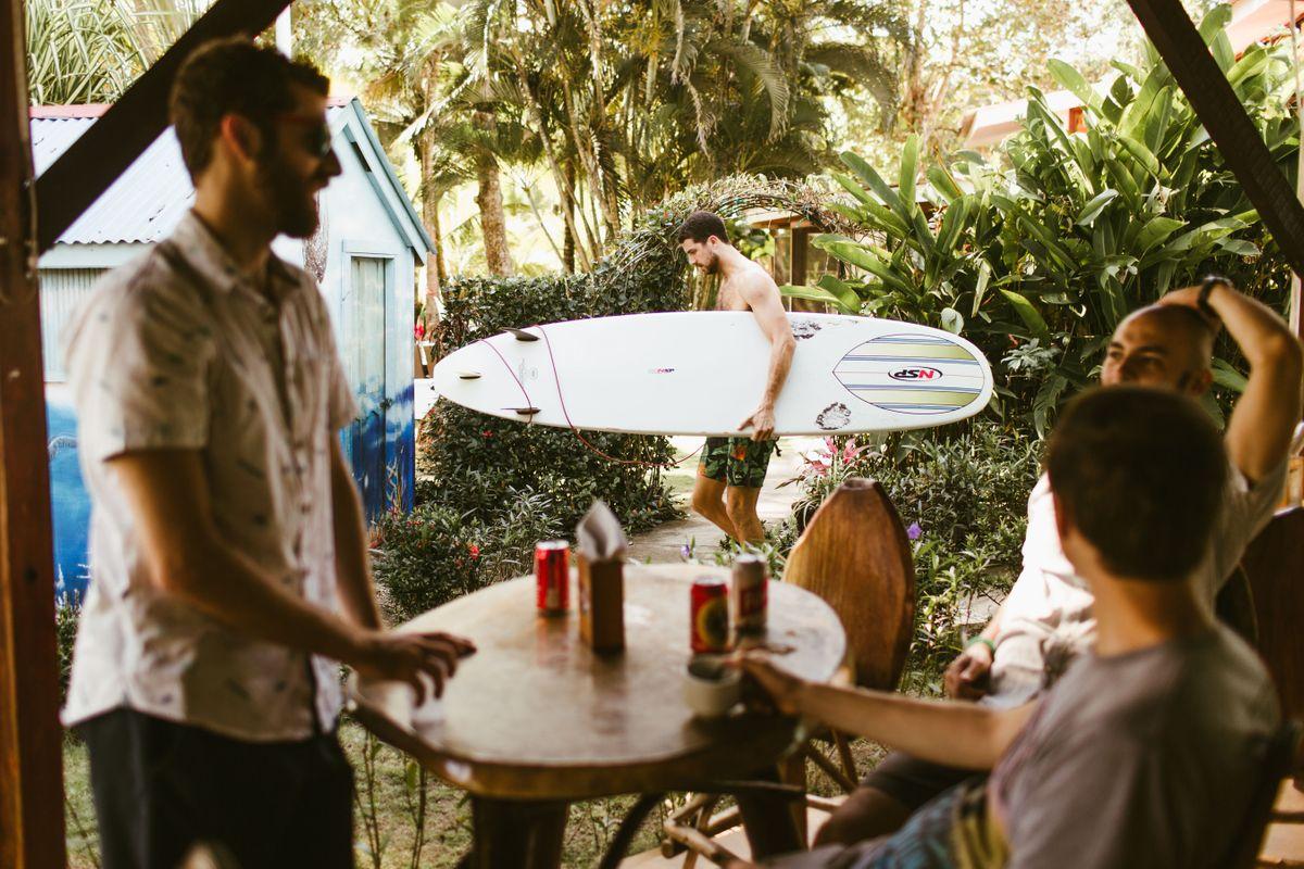 taylor-dylans-beach-wedding-in-esterillos-este-costa-rica-0003.jpg