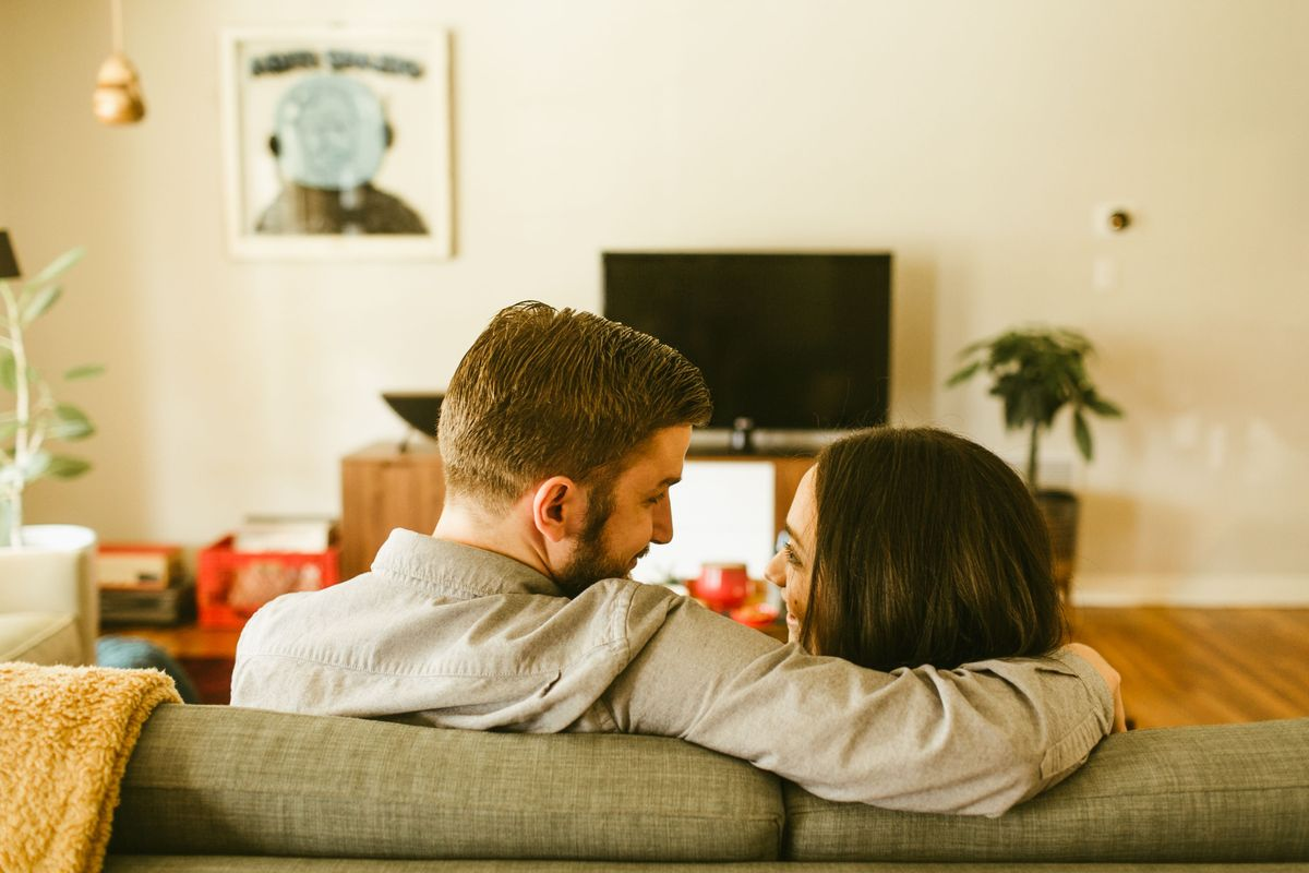 grace-and-marks-at-home-engagement-session-in-austin-texas-0002.jpg