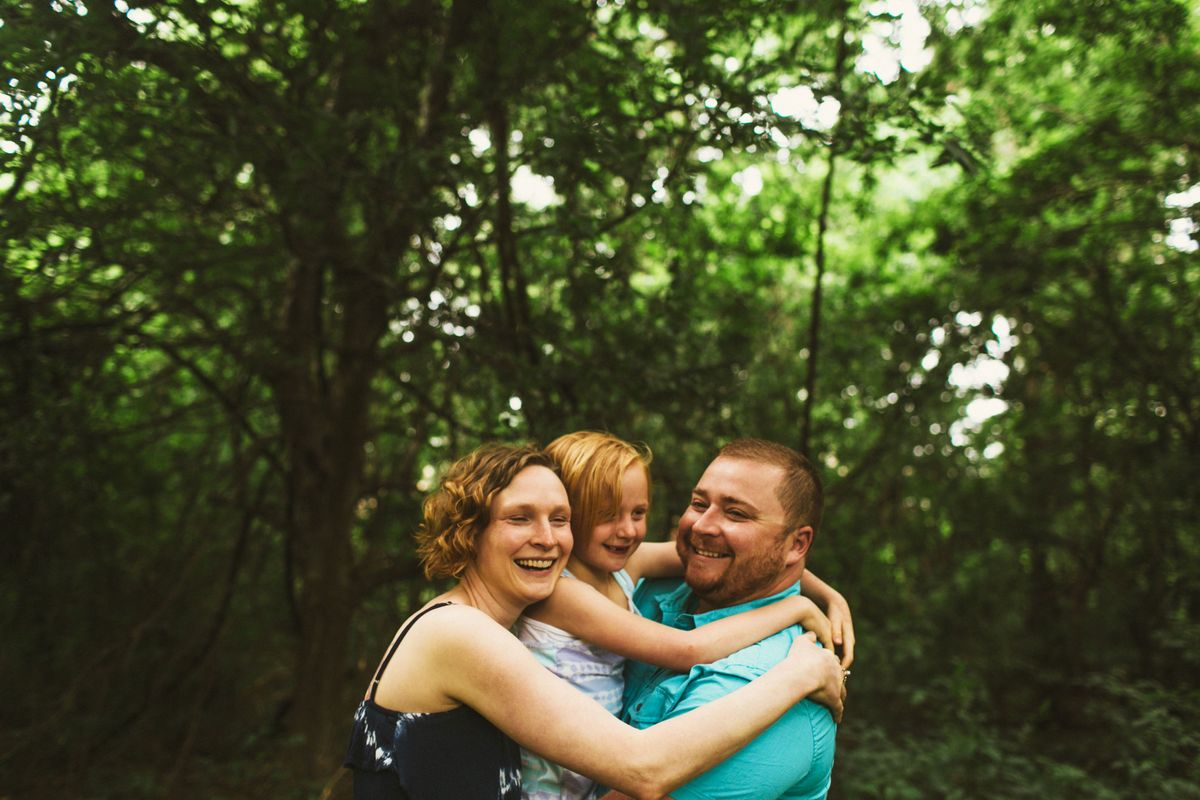 lindsey-brody-and-lilys-family-session-at-mills-pond-park-in-austin-tx - main.jpg