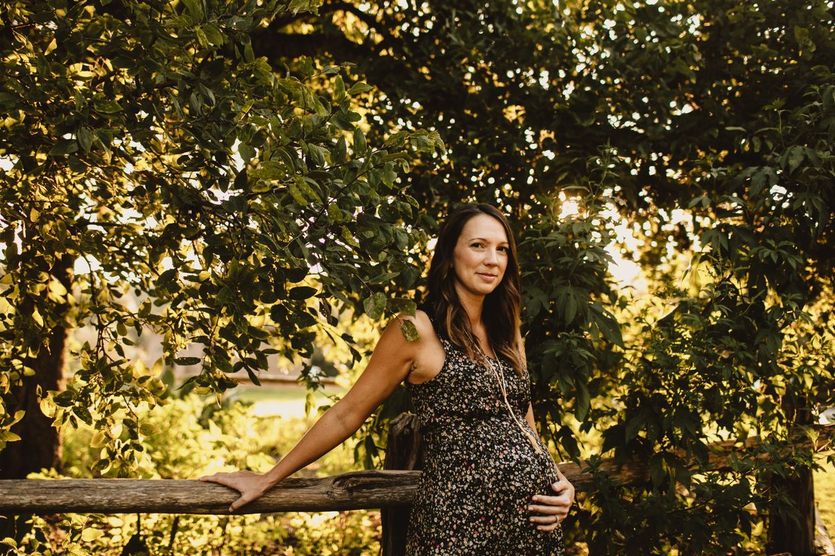 laurens-maternity-pictures-at-bull-creek-park-in-austin-tx - main.jpg