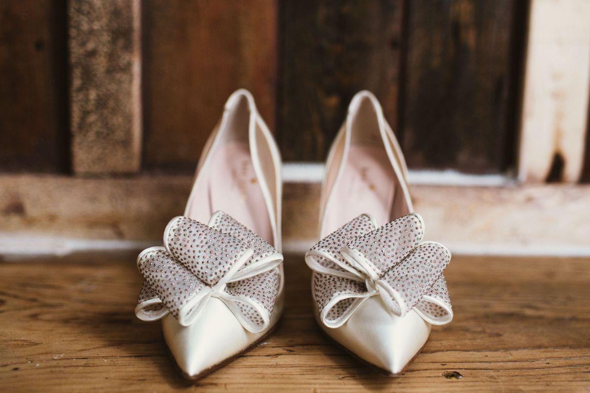 rebecca-matts-beautiful-downtown-wedding-at-archeo-in-toronto-canada-0000.jpg
