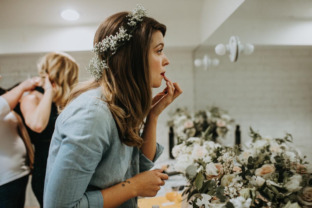 bride getting ready austin