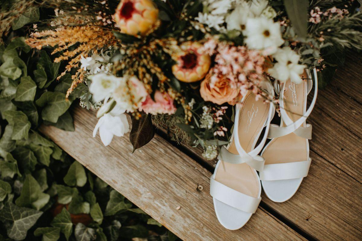 amy-pauls-wedding-at-barr-mansion-in-austin-texas-0002.jpg