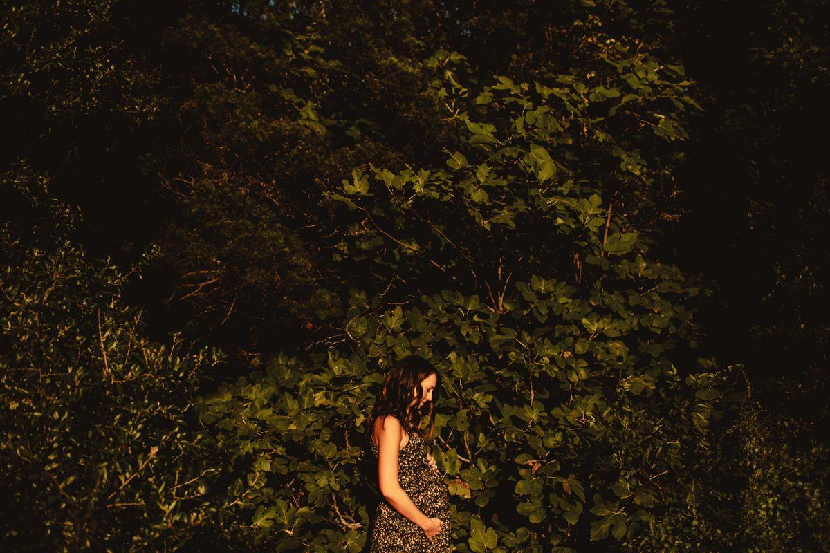 laurens-maternity-pictures-at-bull-creek-park-in-austin-tx-0002.jpg
