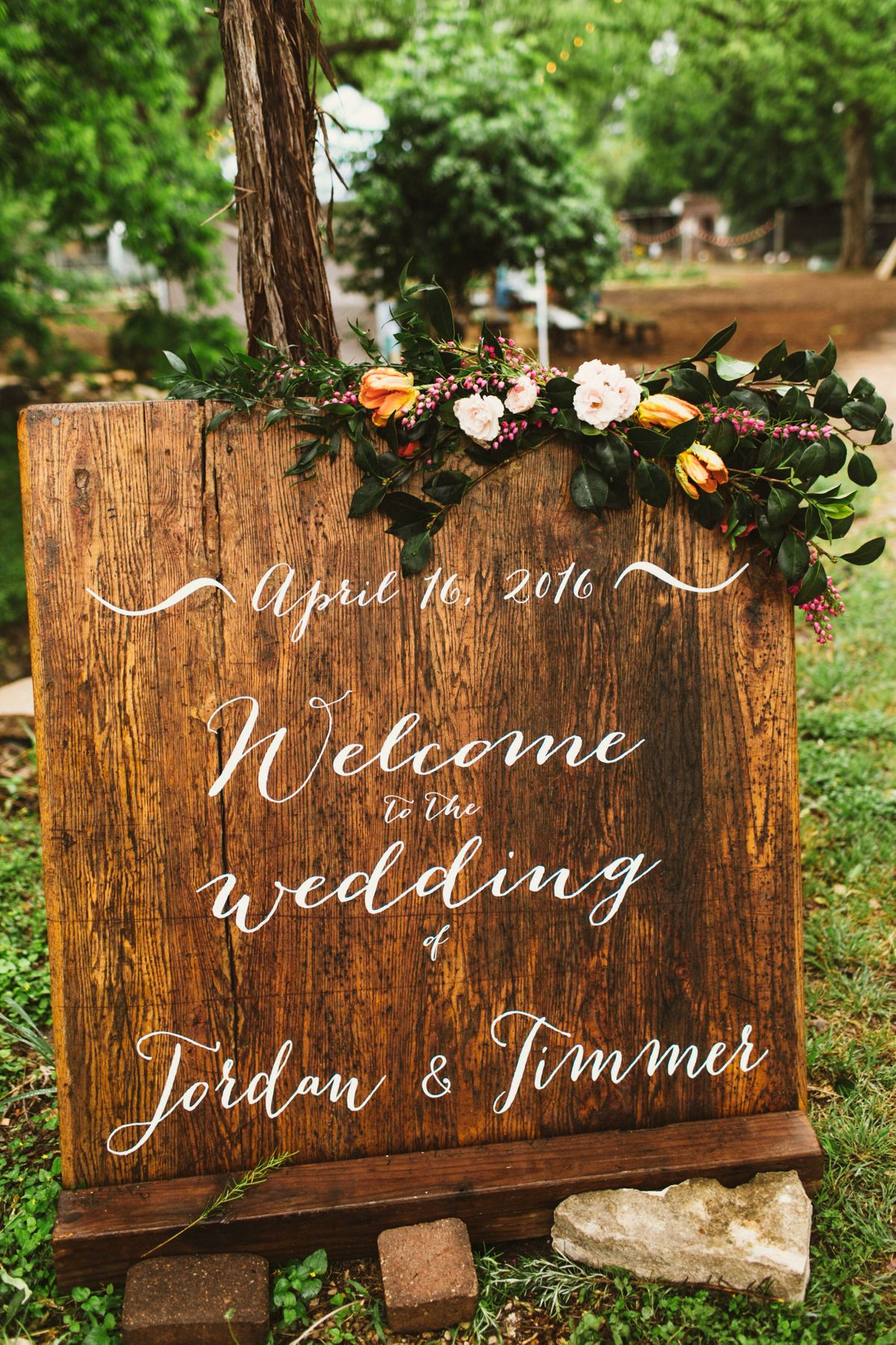 jordan-timmers-rainy-day-wedding-at-springdale-farms-in-austin-tx-0000.jpg