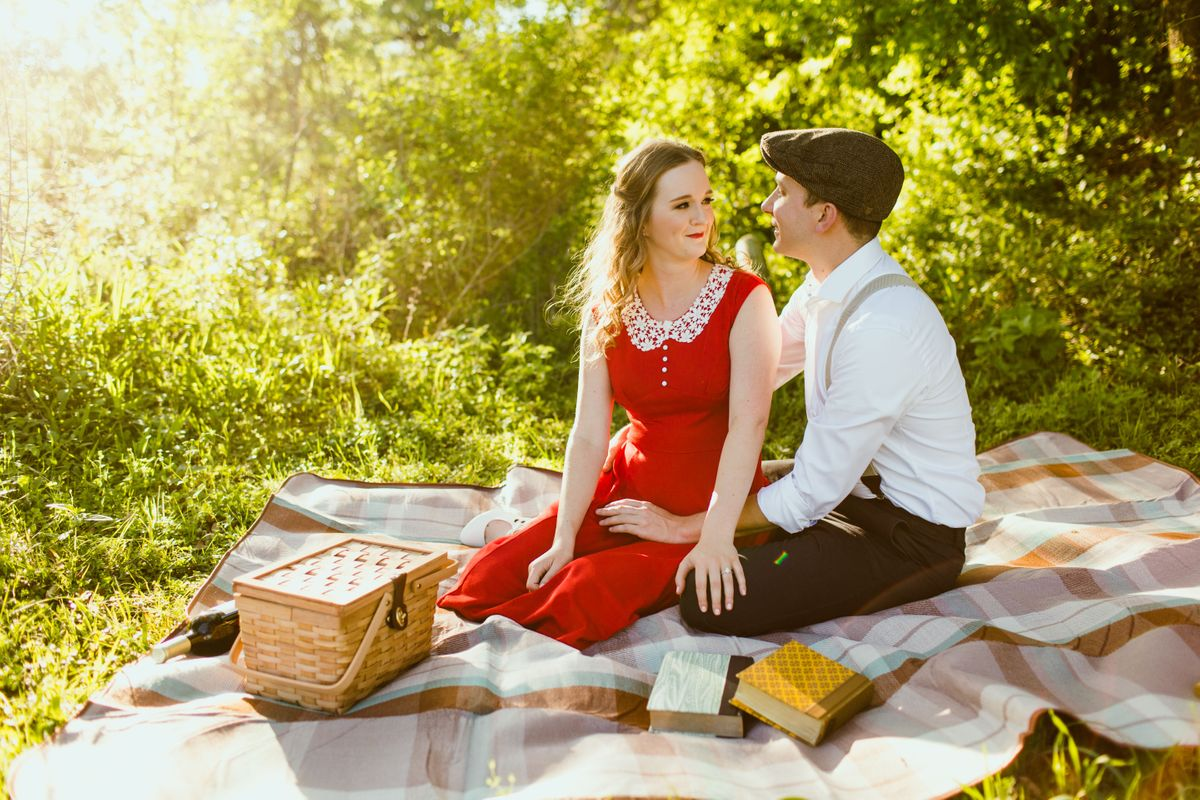 leah-and-darrens-engagement-session-at-bull-creek-park-in-austin-texas-0002.jpg