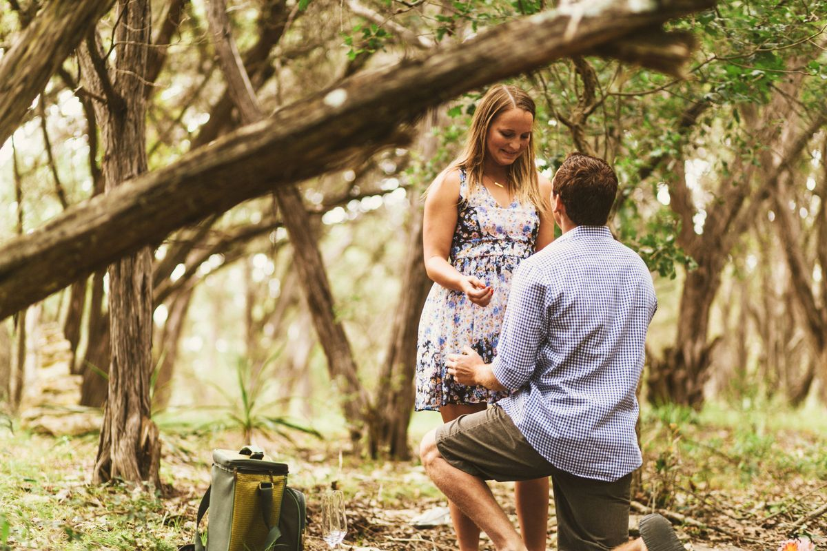 alfonso-jetties-summer-proposal-at-blue-hole-park-in-wimberley-tx-0005.jpg