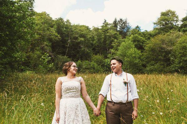 sam-megans-moving-and-intimate-wedding-in-tillamook-oregon - main.jpg