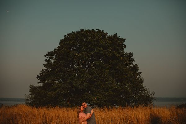 leanna-mikeys-anniversary-session-at-discovery-park-in-seattle-wa - main.jpg