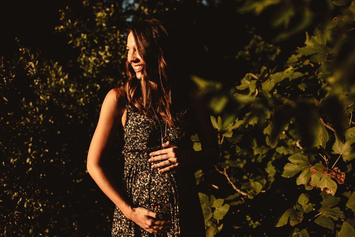 laurens-maternity-pictures-at-bull-creek-park-in-austin-tx-0003.jpg