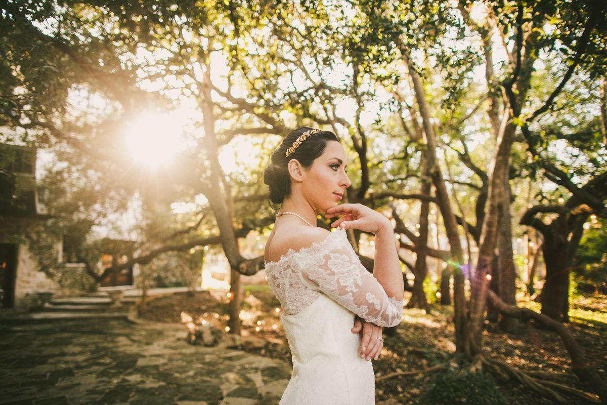 emilys-bridal-portraits-in-austin-texas - main.jpg