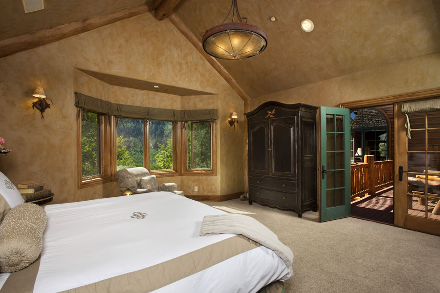 Bed1 Aspen Mansions For Sale