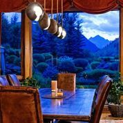 Dining w view.jpeg
