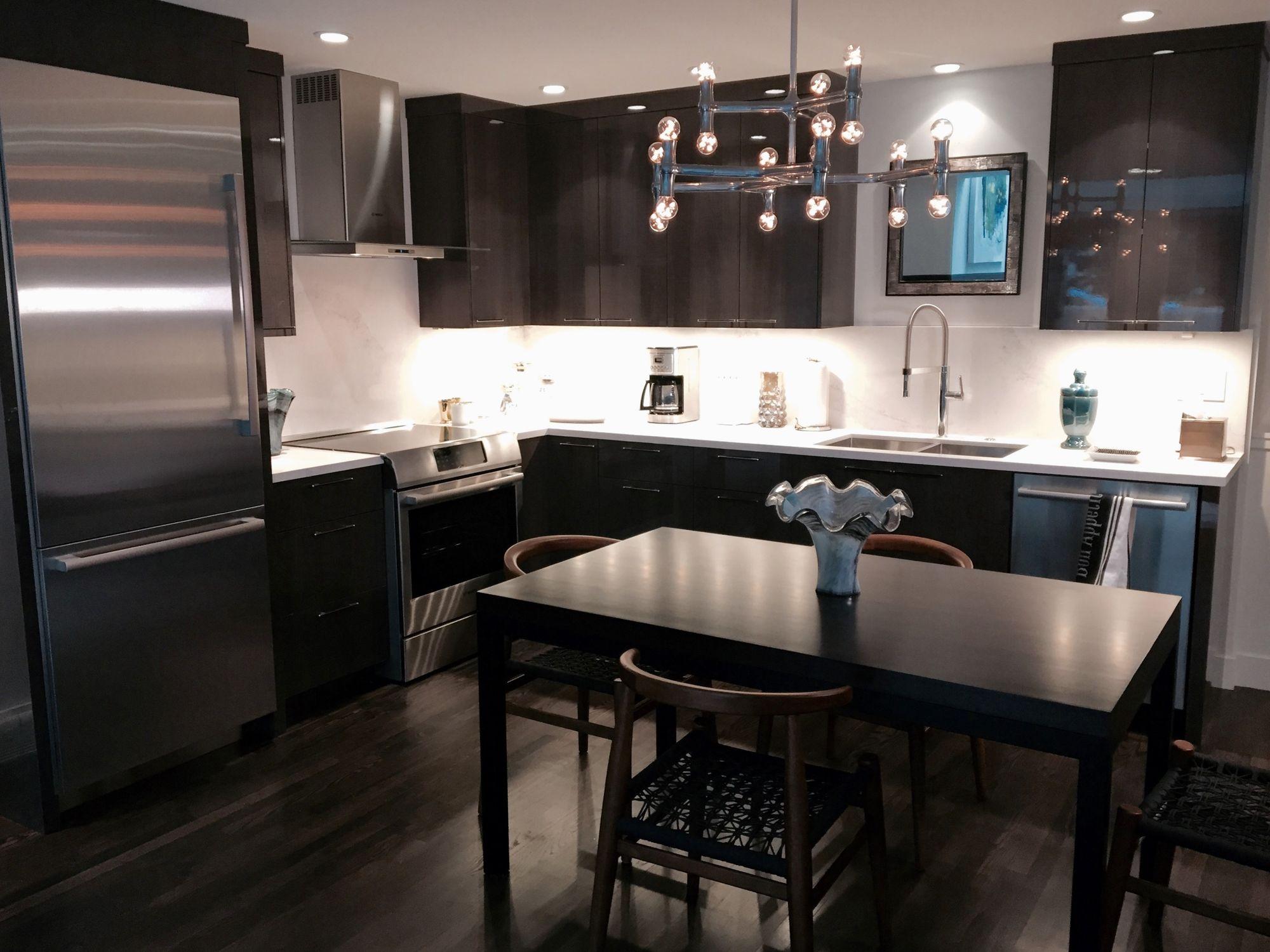 324 W Hopkins kitchen.jpg