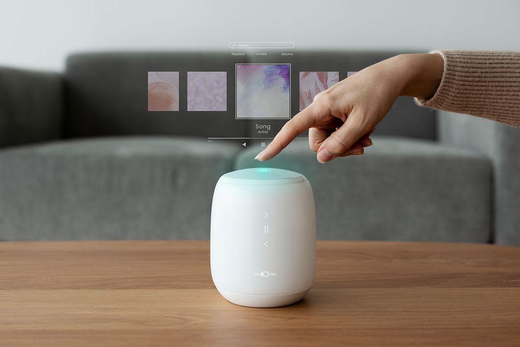 smart-speaker-for-house-control-innovative-technol-8JGCNZP.jpg