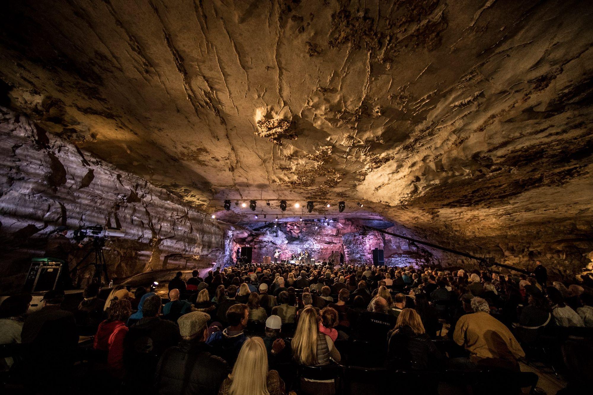 The Caverns 03 photo by Michael Weintrob.jpg