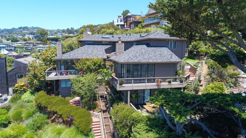1857 Mar West, Tiburon – SOLD - Offered at: $2,195,000